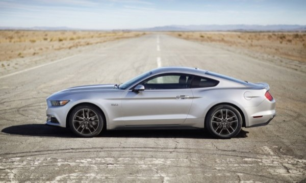 2015 Ford Mustang Gets Performance Of A Boss 302 With Comfort Of A Fusion